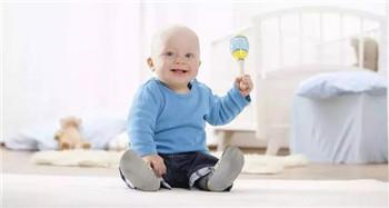 深圳儿童心理咨询哪里好-宝宝常常吮吸手指到底该不该管?你应该知道这些