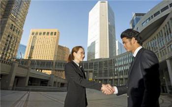 在职场中怎样做才可赢得同事的信赖