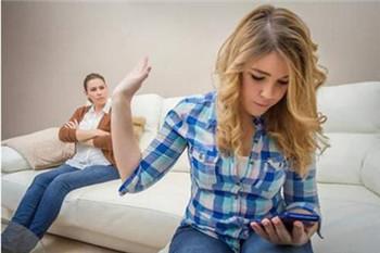 家长应怎样对待青少年的逆反心理