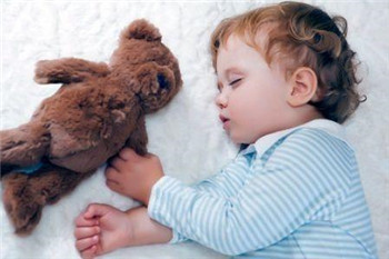 宝宝睡不着,一向哭闹是怎么回事?